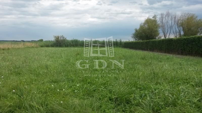 http://www.gdn-ingatlan.hu/nagy_kep/balatonfersing/gdn-ingatlan-136977-1440751753.8-watermark.jpg