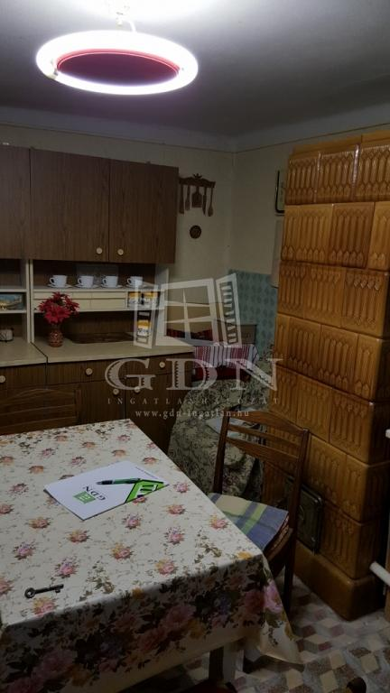http://www.gdn-ingatlan.hu/nagy_kep/balatonfersing/gdn-ingatlan-158692-1458155281.67-watermark.jpg