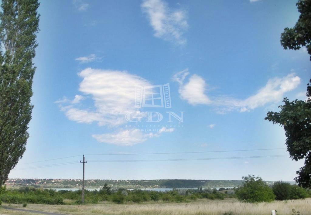 http://www.gdn-ingatlan.hu/nagy_kep/balatonfured/gdn-ingatlan-205390-1497429667.57-watermark.jpg