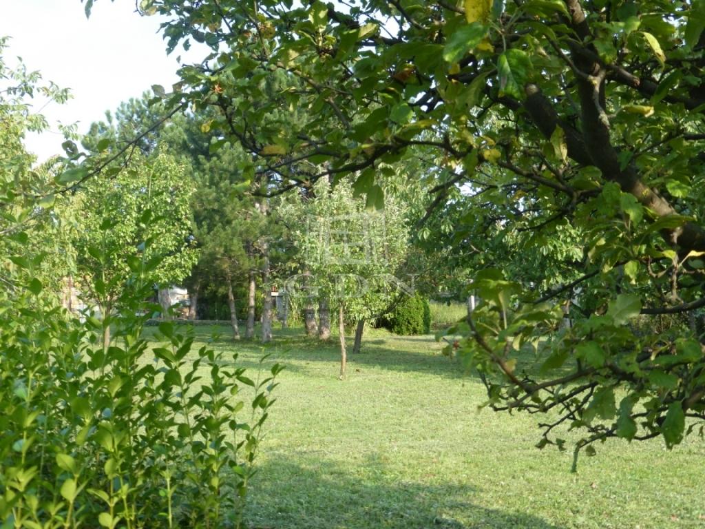 http://www.gdn-ingatlan.hu/nagy_kep/balatonfured/gdn-ingatlan-211708-1535875985.48-watermark.jpg