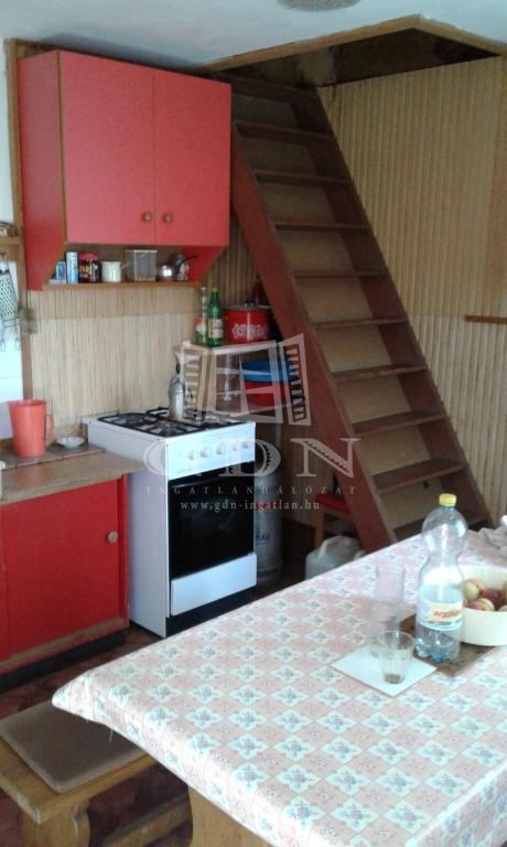 http://www.gdn-ingatlan.hu/nagy_kep/balatonfured/gdn-ingatlan-215301-1506285034.37-watermark.jpg