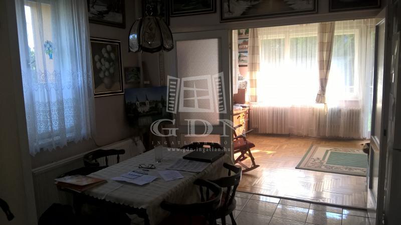 http://www.gdn-ingatlan.hu/nagy_kep/besthome/gdn-ingatlan-137351-1441116085.59-watermark.jpg