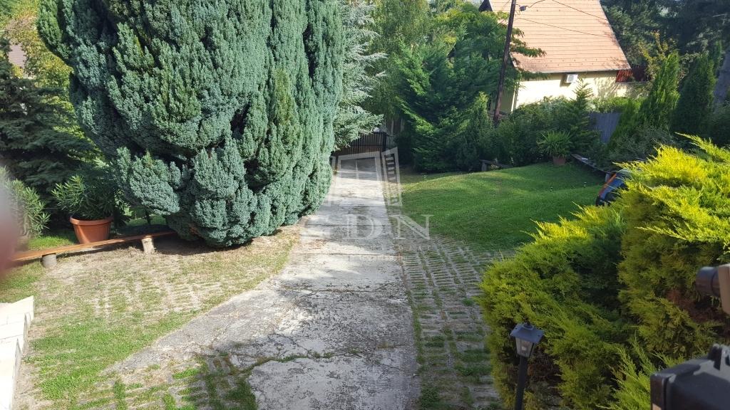http://www.gdn-ingatlan.hu/nagy_kep/dunakanyar/gdn-ingatlan-287088-1581668885.62-watermark.jpg