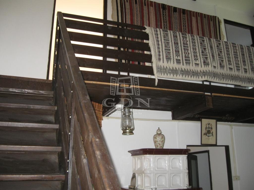http://www.gdn-ingatlan.hu/nagy_kep/dunakanyar/gdn-ingatlan-287088-1581668900.78-watermark.jpg