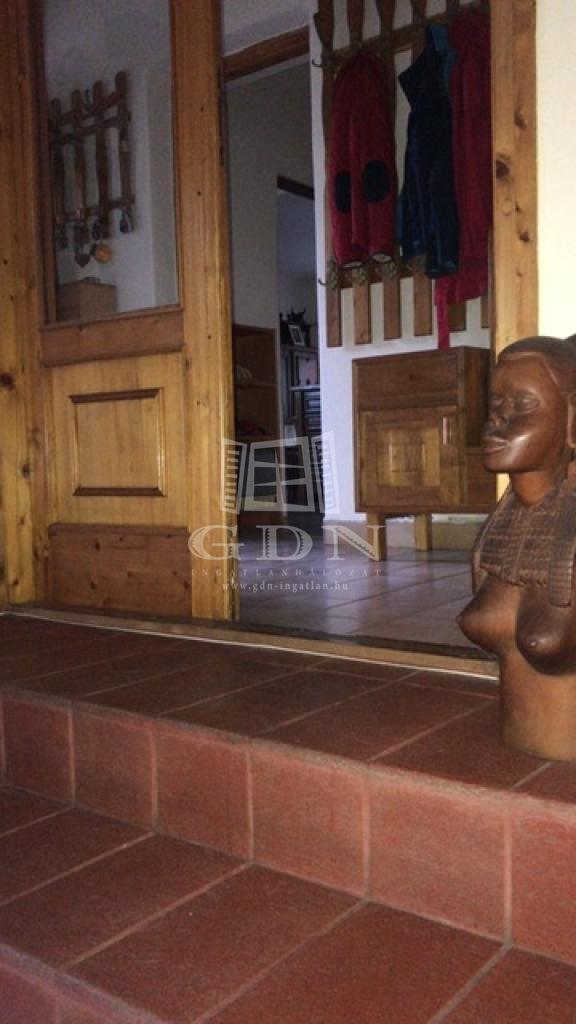 http://www.gdn-ingatlan.hu/nagy_kep/dunakeszi/gdn-ingatlan-240913-1533064108.27-watermark.jpg