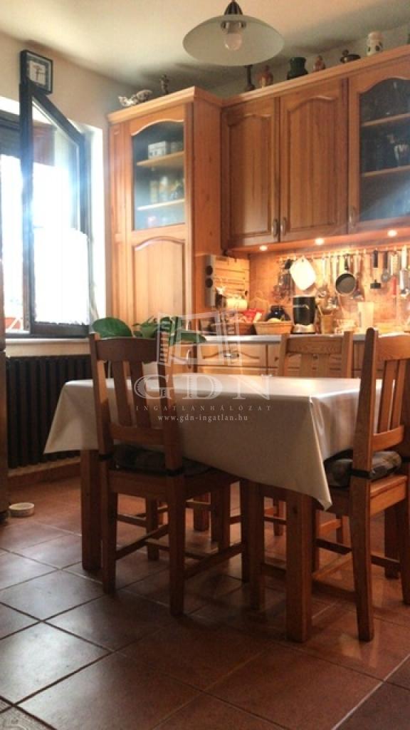 http://www.gdn-ingatlan.hu/nagy_kep/dunakeszi/gdn-ingatlan-240913-1533064111.16-watermark.jpg