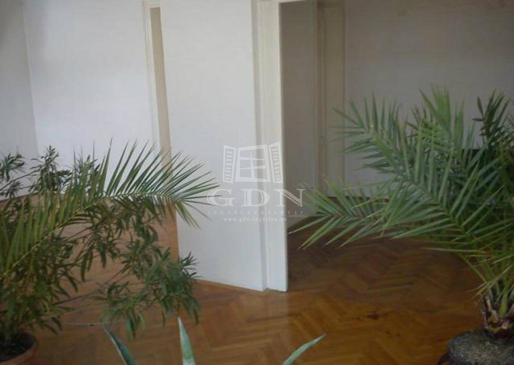 http://www.gdn-ingatlan.hu/nagy_kep/happypecs/gdn-ingatlan-228788-1521004267.33-watermark.jpg