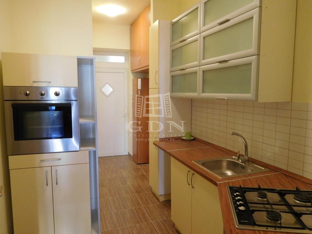 Eladó lakás (téglaépítésű) Budapest XIII. kerület, Váci út - 43nm, 17200000Ft - Ingatlan adatlap