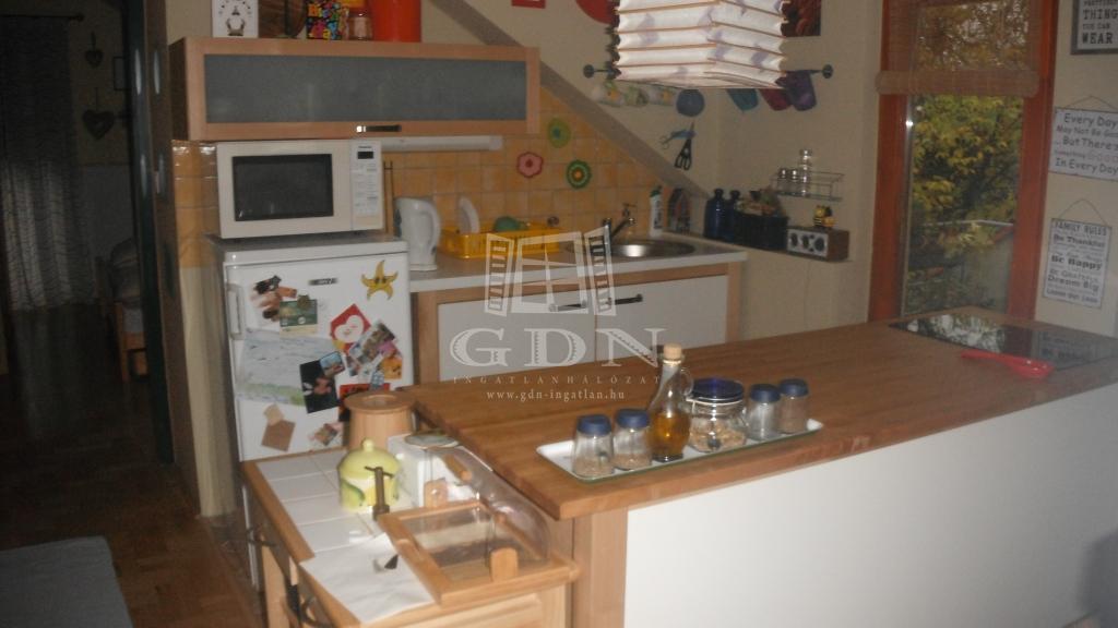 http://www.gdn-ingatlan.hu/nagy_kep/homandfeelingkeszthely/gdn-ingatlan-181933-1476648158.24-watermark.jpg