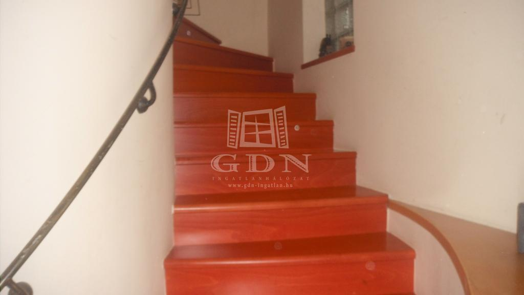 http://www.gdn-ingatlan.hu/nagy_kep/homandfeelingkeszthely/gdn-ingatlan-181933-1476648174.56-watermark.jpg