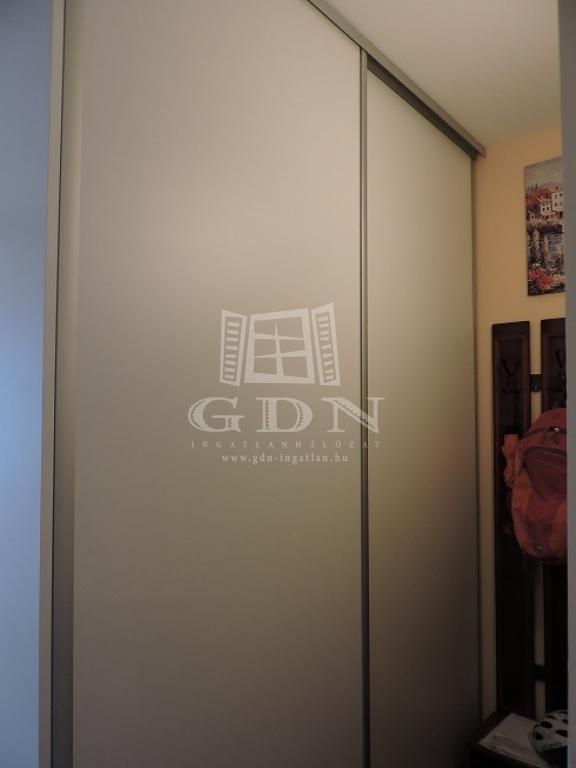 http://www.gdn-ingatlan.hu/nagy_kep/hosoktere/gdn-ingatlan-239431-1531837640.75-watermark.jpg