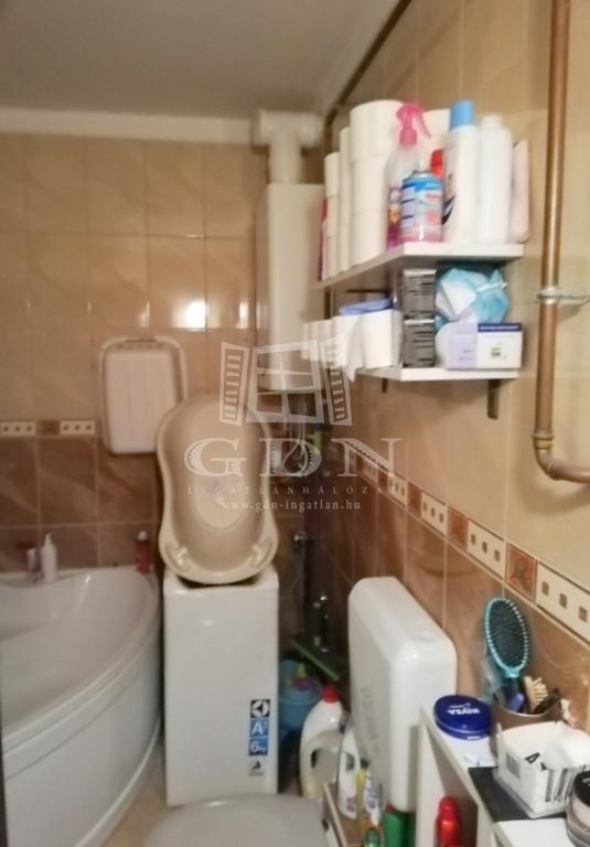 http://www.gdn-ingatlan.hu/nagy_kep/immovelence/gdn-ingatlan-285578-1580132873.91-watermark.jpg
