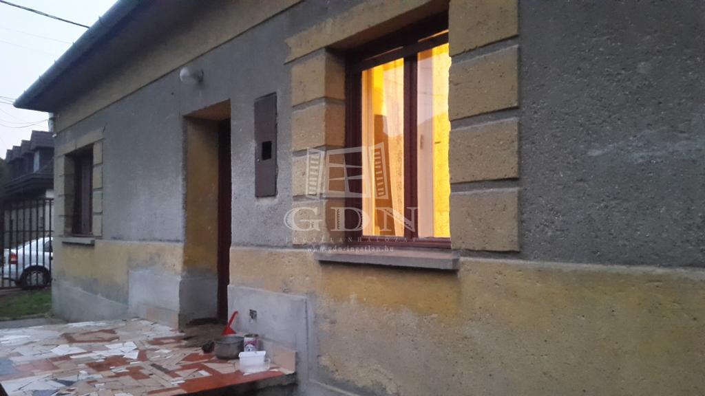 Eladó Budapest XVII. kerület Házrész