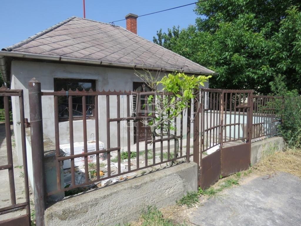 http://www.gdn-ingatlan.hu/nagy_kep/marczkft/gdn-ingatlan-134951-1528875816.7-watermark.jpg