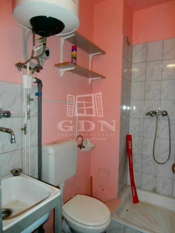 http://www.gdn-ingatlan.hu/nagy_kep/marczkft/gdn-ingatlan-190067-1484748622.73-watermark.jpg
