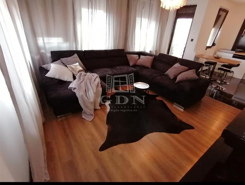 http://www.gdn-ingatlan.hu/nagy_kep/narancsliget/gdn-ingatlan-279098-1573144913.65-watermark.jpg