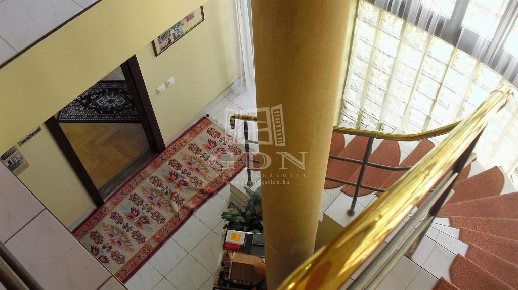 http://www.gdn-ingatlan.hu/nagy_kep/one/gdn-ingatlan-171783-1467747102.47-watermark.jpg