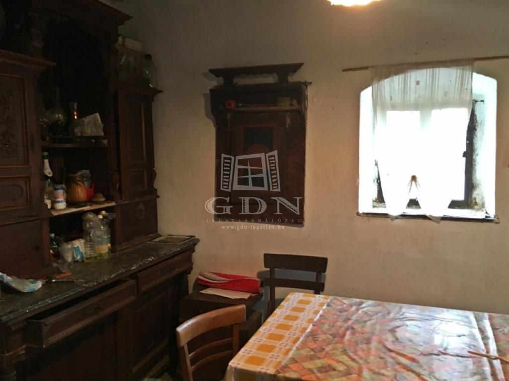 http://www.gdn-ingatlan.hu/nagy_kep/pannon/gdn-ingatlan-156757-1456493253.56-watermark.jpg