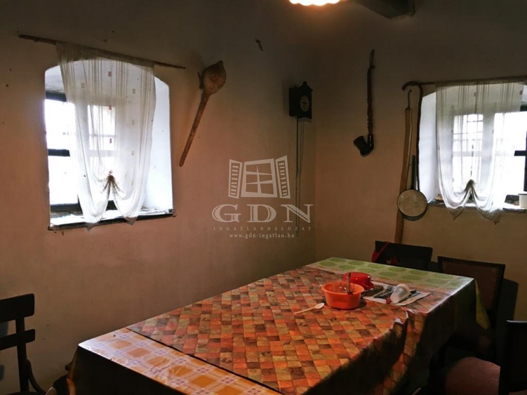 http://www.gdn-ingatlan.hu/nagy_kep/pannon/gdn-ingatlan-156757-1456493254.33-watermark.jpg