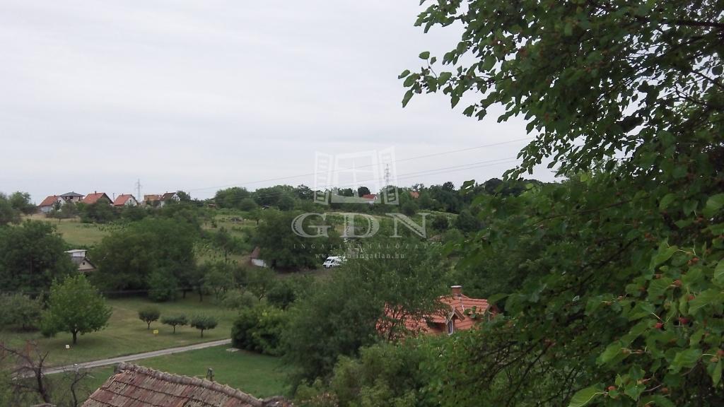 http://www.gdn-ingatlan.hu/nagy_kep/sasad/gdn-ingatlan-207326-1499094414.95-watermark.jpg