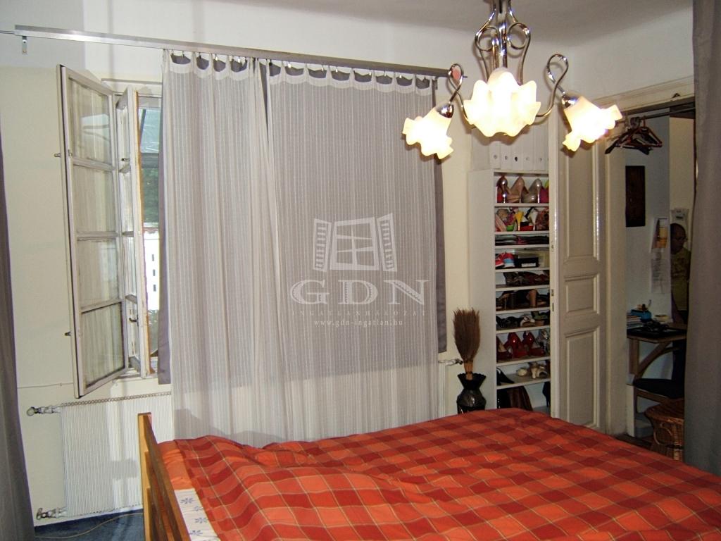http://www.gdn-ingatlan.hu/nagy_kep/sashalom/gdn-ingatlan-240206-1532349697.33-watermark.jpg