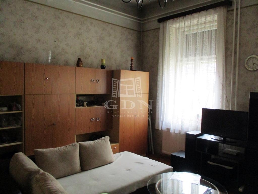 http://www.gdn-ingatlan.hu/nagy_kep/sashalom/gdn-ingatlan-240885-1533027444.55-watermark.jpg