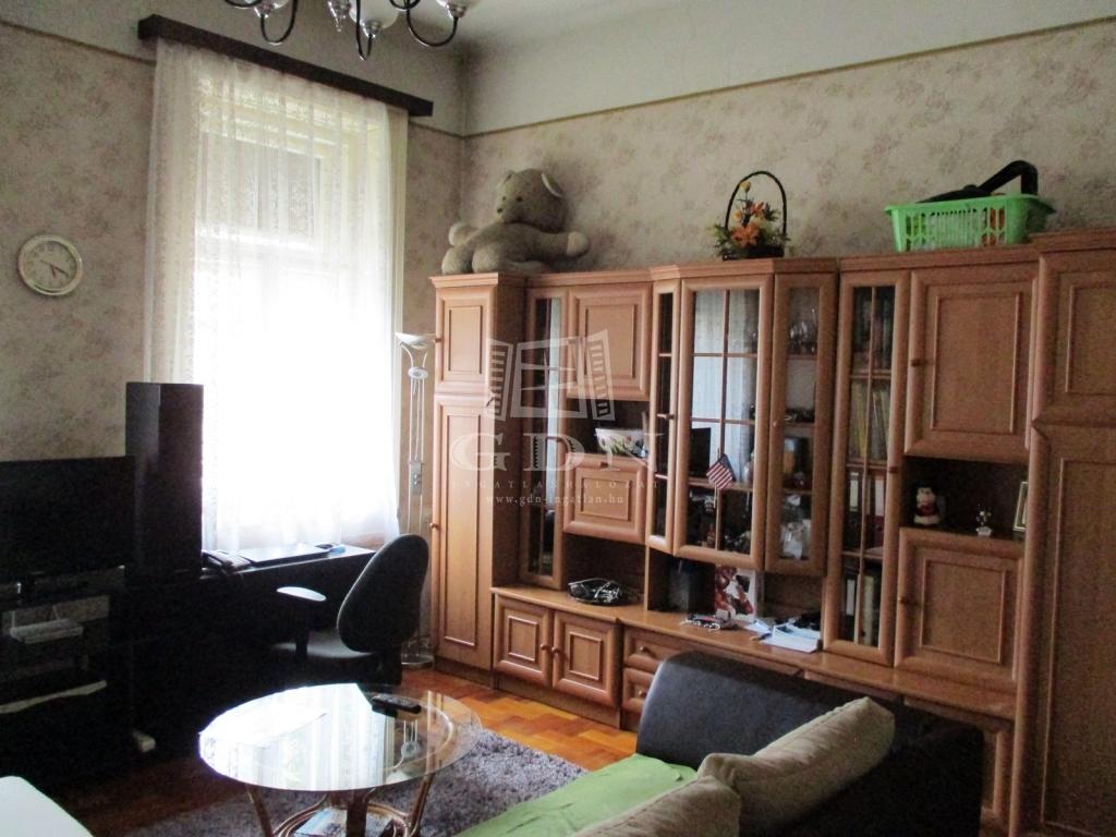 http://www.gdn-ingatlan.hu/nagy_kep/sashalom/gdn-ingatlan-240885-1533027444.9-watermark.jpg
