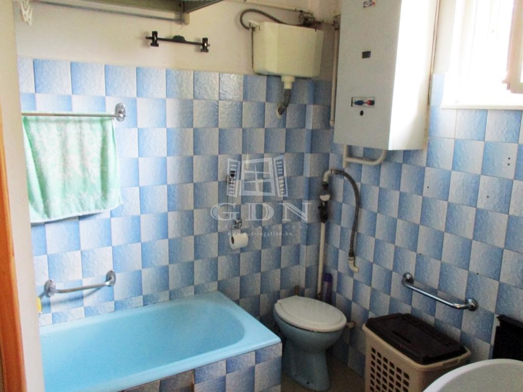 http://www.gdn-ingatlan.hu/nagy_kep/sashalom/gdn-ingatlan-240885-1533027445.99-watermark.jpg