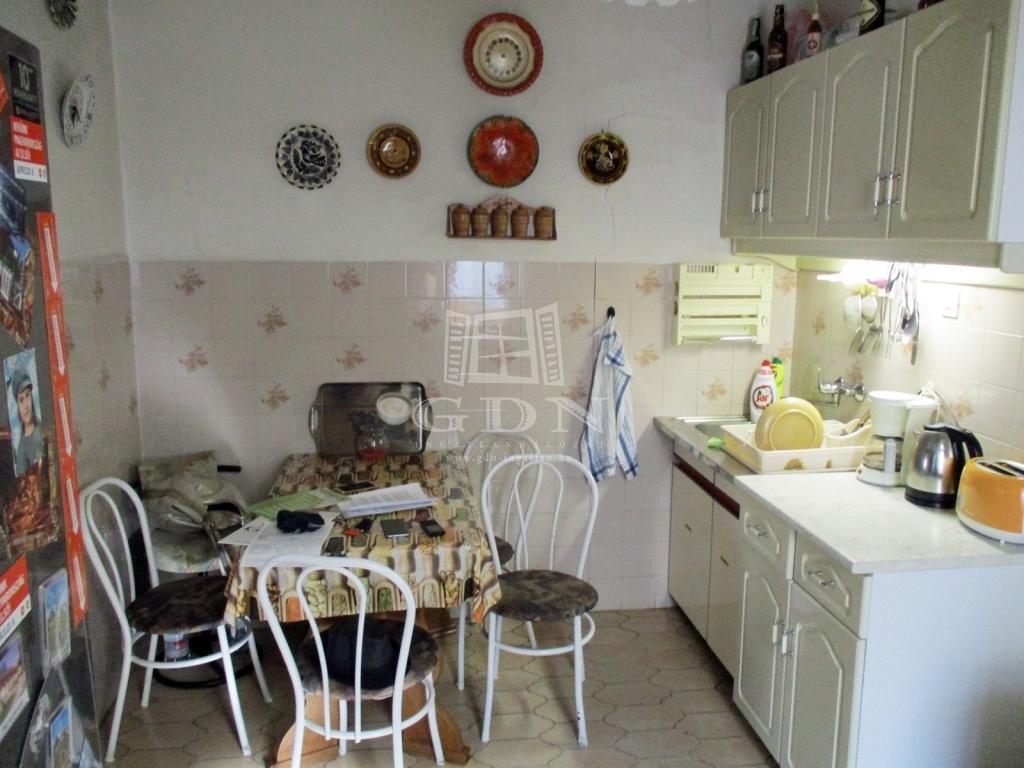 http://www.gdn-ingatlan.hu/nagy_kep/sashalom/gdn-ingatlan-240885-1533027446.8-watermark.jpg