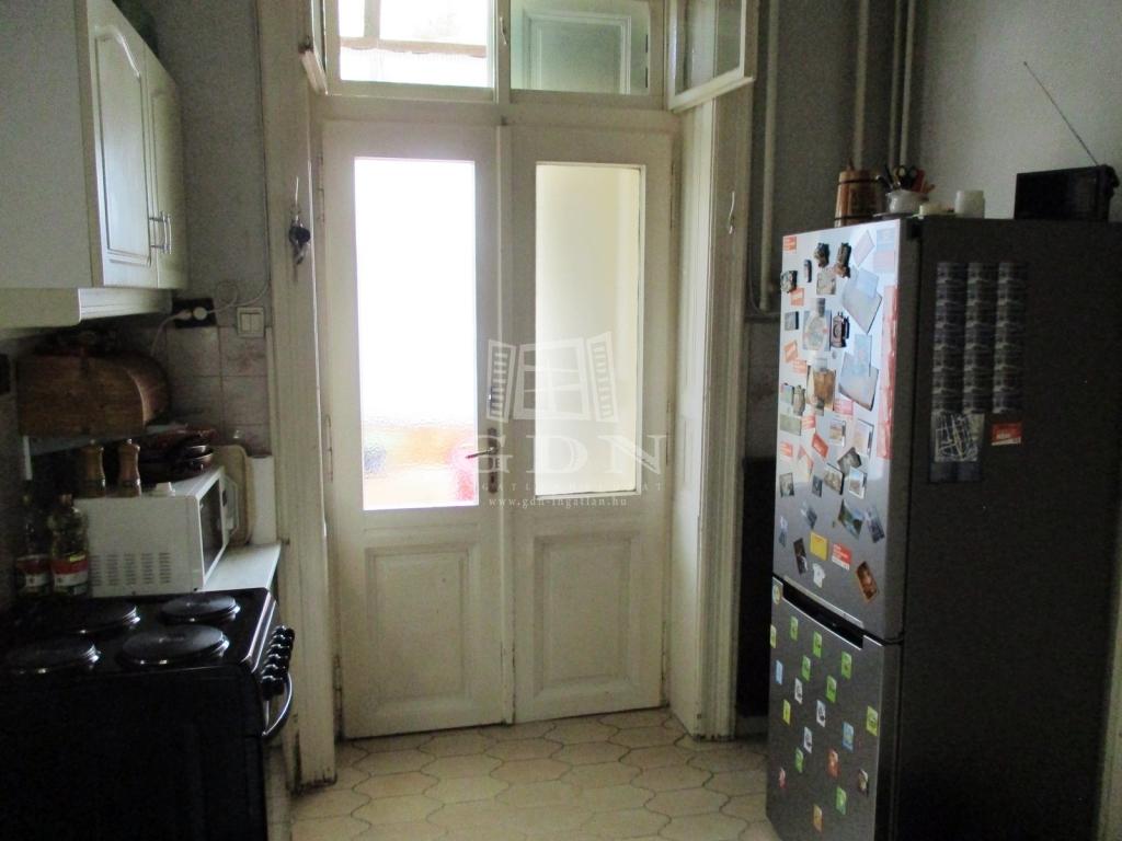 http://www.gdn-ingatlan.hu/nagy_kep/sashalom/gdn-ingatlan-240885-1533027447.04-watermark.jpg