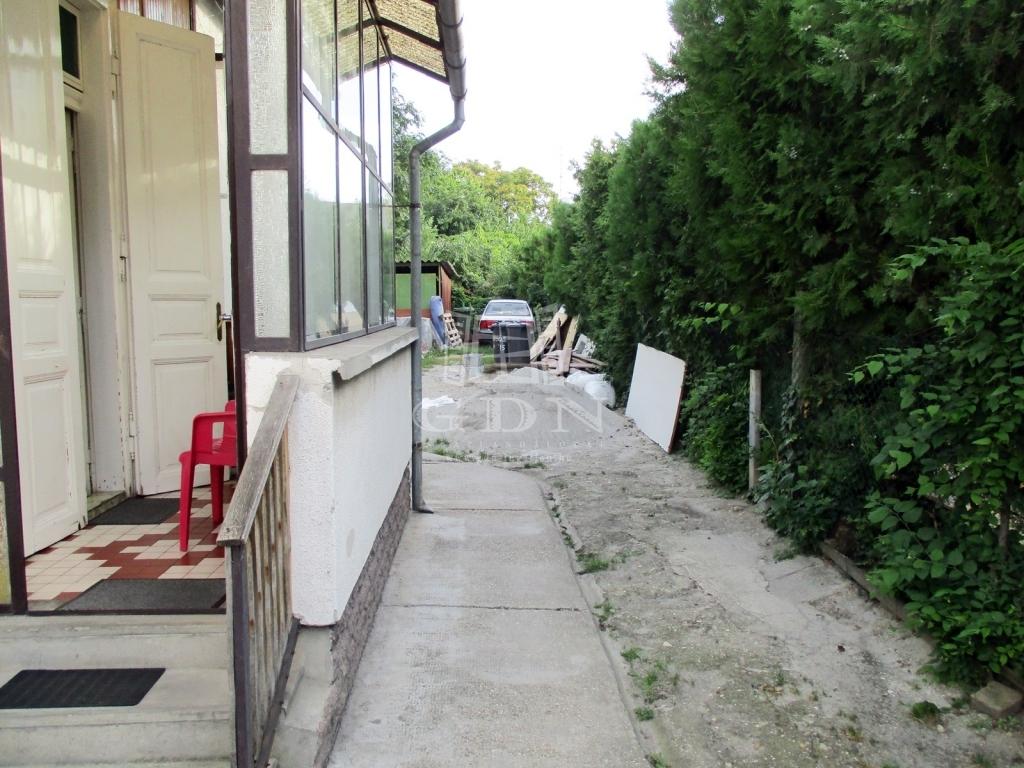http://www.gdn-ingatlan.hu/nagy_kep/sashalom/gdn-ingatlan-240885-1533027449.1-watermark.jpg
