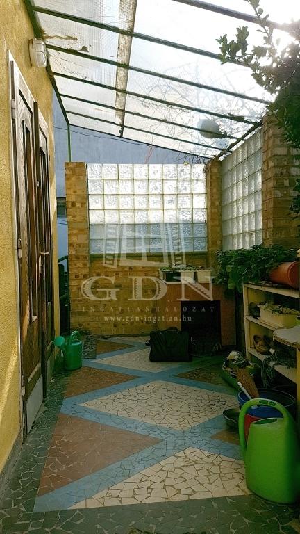http://www.gdn-ingatlan.hu/nagy_kep/sashalom/gdn-ingatlan-249197-1541712562.14-watermark.jpg
