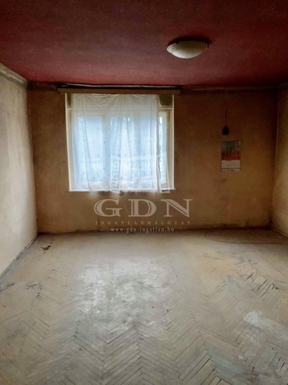 http://www.gdn-ingatlan.hu/nagy_kep/silverhome/gdn-ingatlan-281473-1575041368.12-watermark.jpg