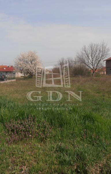 http://www.gdn-ingatlan.hu/nagy_kep/sziget/gdn-ingatlan-110090-1422883603.72-watermark.jpg