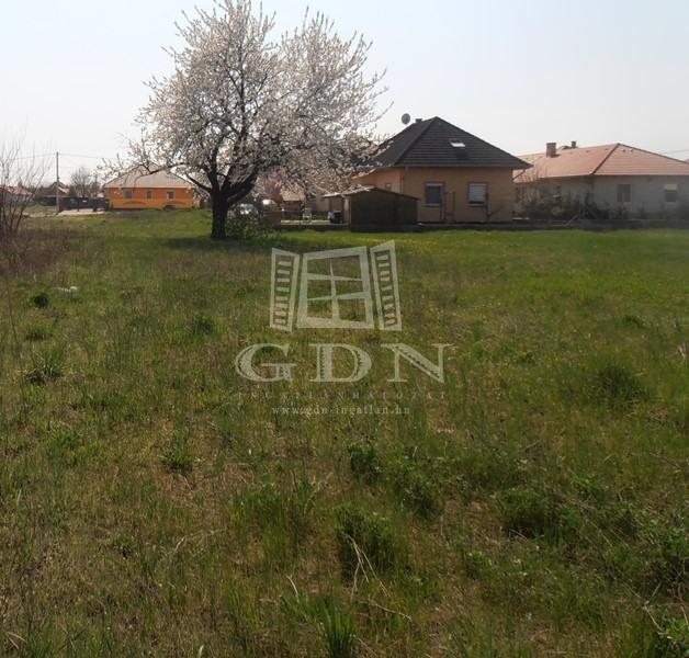 http://www.gdn-ingatlan.hu/nagy_kep/sziget/gdn-ingatlan-110090-1422883642.29-watermark.jpg