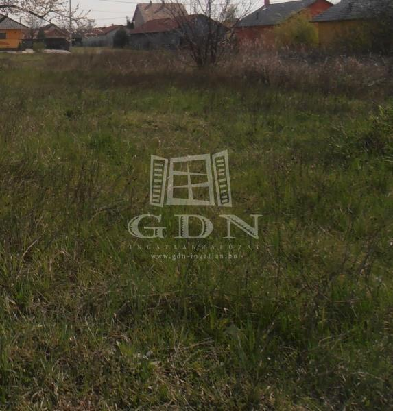 http://www.gdn-ingatlan.hu/nagy_kep/sziget/gdn-ingatlan-110090-1422883645.43-watermark.jpg