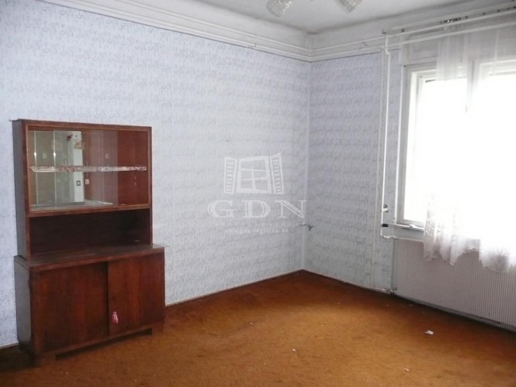 http://www.gdn-ingatlan.hu/nagy_kep/sziget/gdn-ingatlan-230829-1523387533.47-watermark.jpg