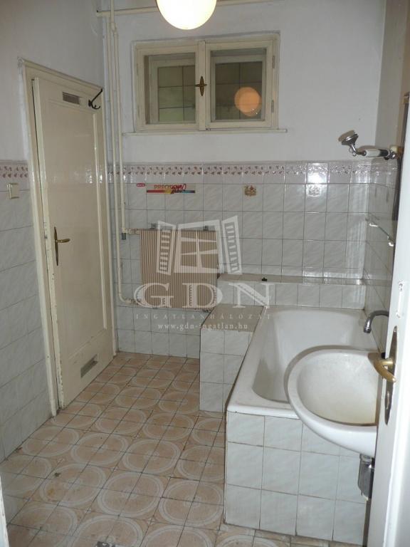 http://www.gdn-ingatlan.hu/nagy_kep/sziget/gdn-ingatlan-230829-1523387534.75-watermark.jpg