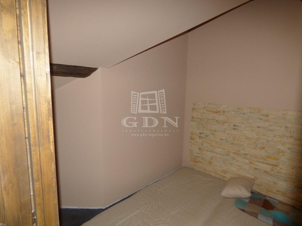 http://www.gdn-ingatlan.hu/nagy_kep/ubo/gdn-ingatlan-223875-1528391947.73-watermark.jpg