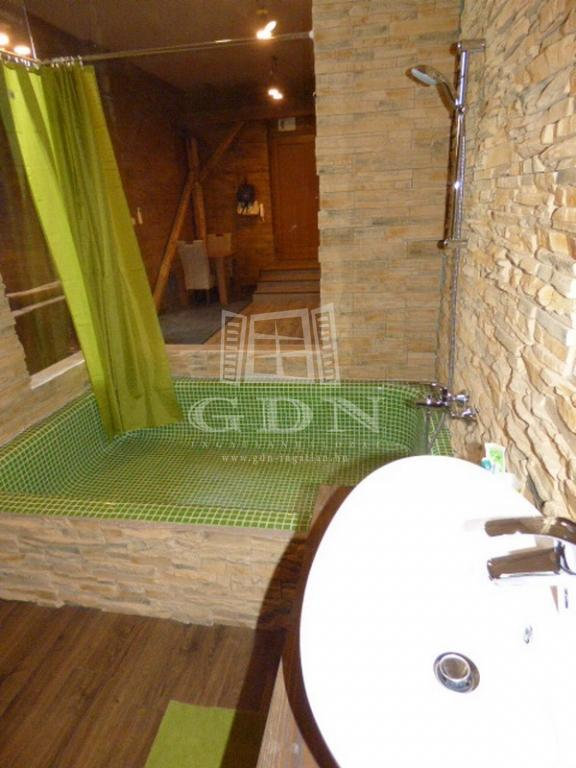 http://www.gdn-ingatlan.hu/nagy_kep/ubo/gdn-ingatlan-223875-1528391950.05-watermark.jpg