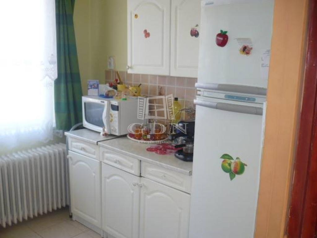 http://www.gdn-ingatlan.hu/nagy_kep/ujpest/gdn-ingatlan-228109-1520505493.87-watermark.jpg