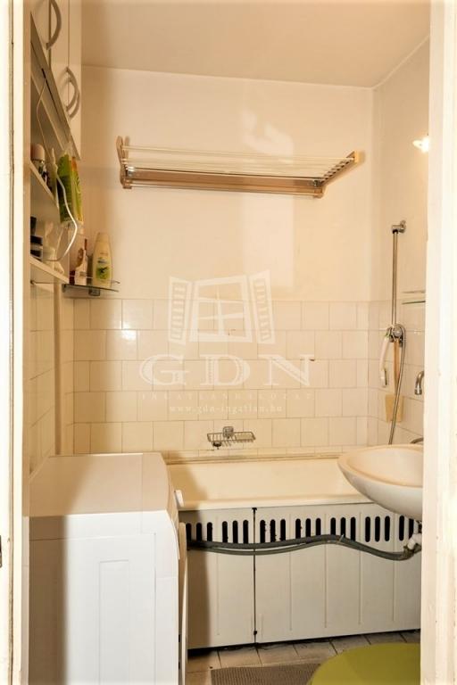 http://www.gdn-ingatlan.hu/nagy_kep/vecses/gdn-ingatlan-278598-1572712829.72-watermark.jpg